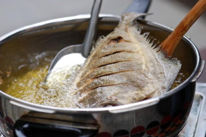 Cứ thử ướp kiểu này thì dù cá kho hay cá chiên cũng không hề tanh, ngon không tưởng - Ảnh 4.