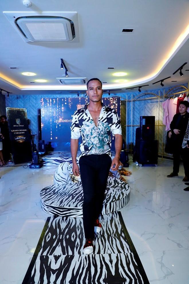 MC Phan Anh, HH Mỹ Linh dự lễ ra mắt trung tâm thời trang làm đẹp độc đáo của HH Kim Nguyễn - Ảnh 5.