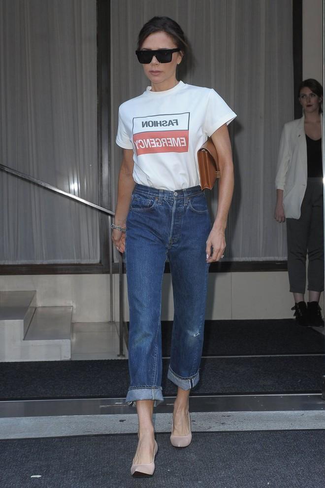 Victoria Beckhan - cao thủ diện áo phông trắng chất lừ mọi lúc mọi nơi - Ảnh 5.