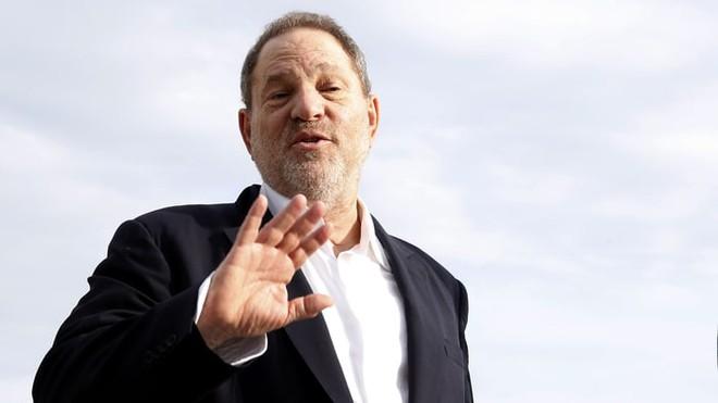 Vũ Thu Phương cũng là nạn nhận quấy rối tình dục của ông trùm Hollywood bằng màn gạ đóng cảnh nóng trên giường khách sạn - ảnh 4