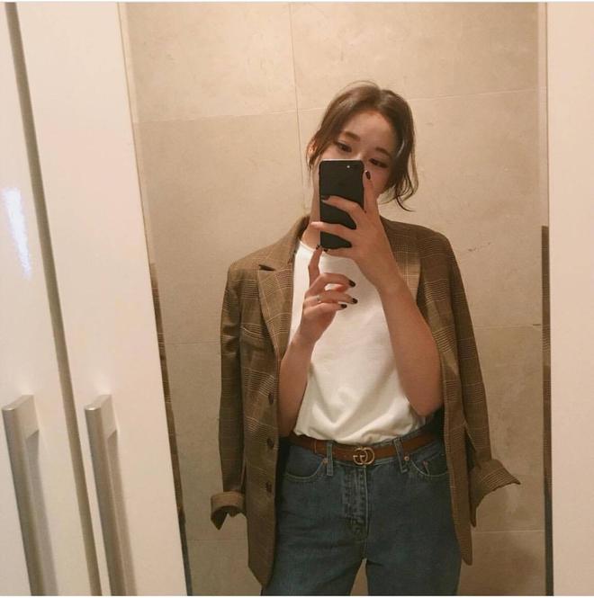 Thu này nàng công sở thử diện blazer cùng áo phông xem thế nào nhé! - Ảnh 2.