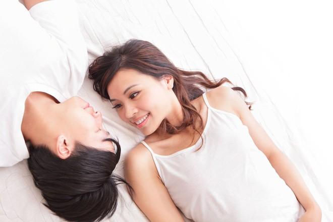 Tuy rất bình dị nhưng phải yêu thật lòng lắm thì đàn ông mới làm những điều tình cảm sau cho người mình yêu - Ảnh 1.
