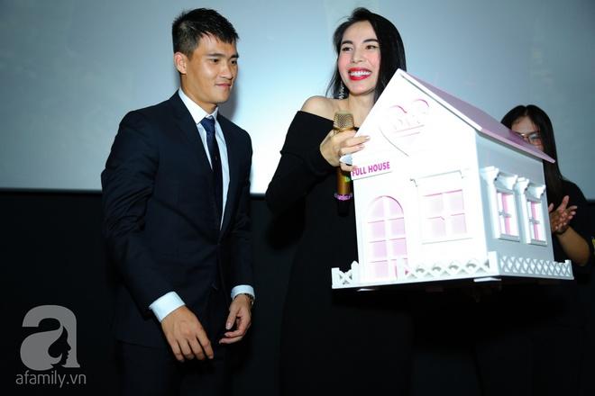 Thủy Tiên chơi trội đầu tư trăm triệu quần áo trong MV lãng mạn cùng Công Vinh - Ảnh 7.