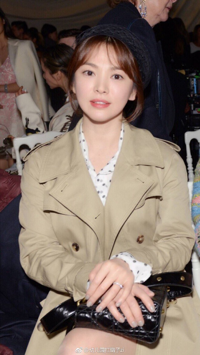 Chẳng ăn diện màu mè, Song Hye Kyo vẫn khiến người ta chú ý vì style thanh lịch tại show Dior - Ảnh 5.
