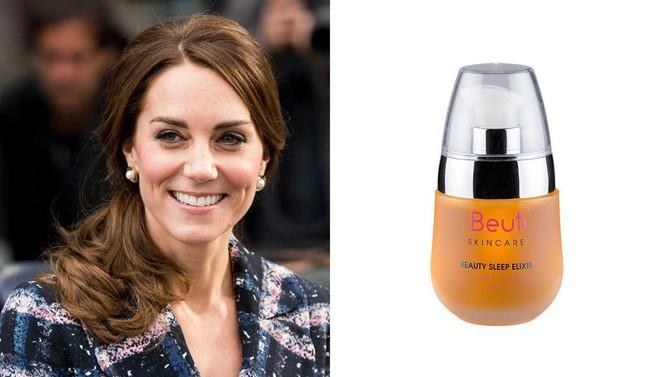 Những món mỹ phẩm mà công nương  Kate Middleton yêu thích nhất: Có cả đồ đắt đỏ lẫn những món bình dân chỉ vài trăm ngàn đồng - Ảnh 2.