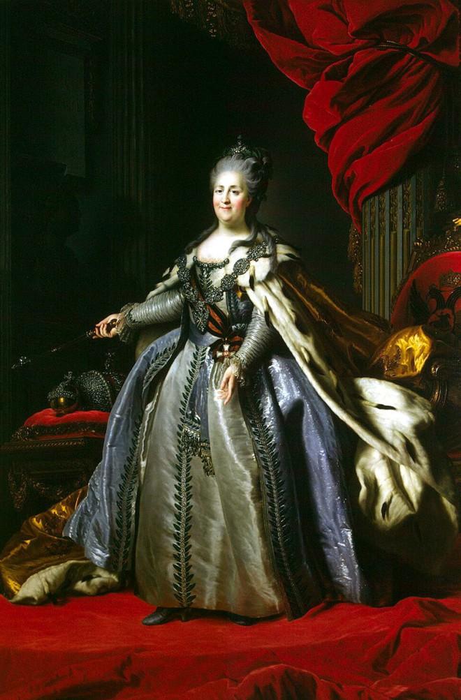 Tình sử phóng đãng của Nữ hoàng vĩ đại nhất nước Nga: 18 người tình, có người nhỏ hơn đến 40 tuổi - Ảnh 2.