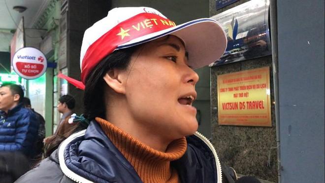 Vụ hành khách tố bị công ty du lịch bỏ rơi tại cửa khẩu: Sẽ đền bù thiệt hại cho khách hàng - Ảnh 2.