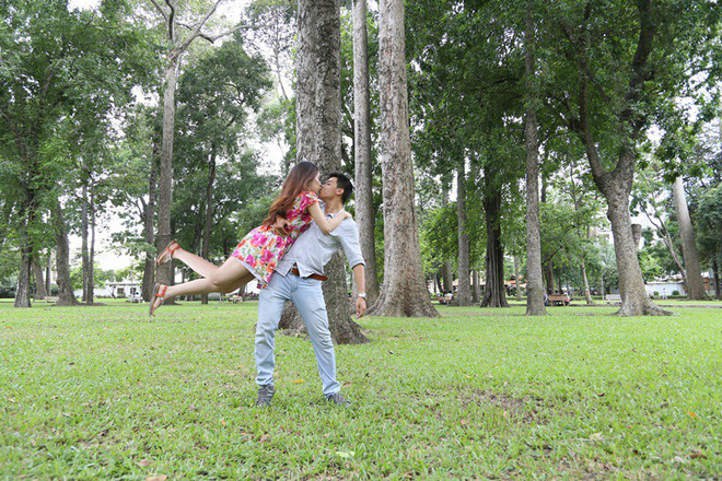 Cặp đôi Sài Gòn khoe kỷ niệm từ hồi trẻ trâu đến ngày cưới và bộ ảnh vừa bay vừa hôn độc nhất vô nhị - Ảnh 8.