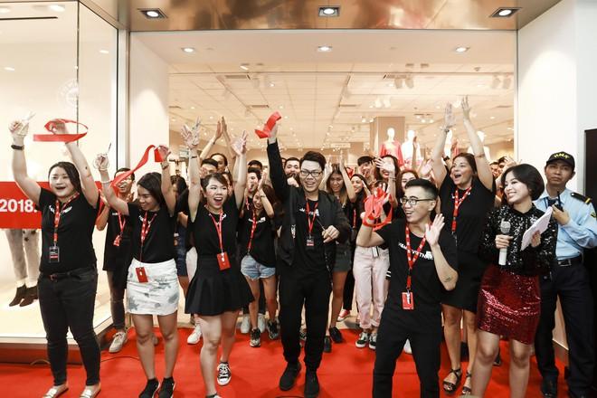 H&M Việt Nam tiếp tục khai trương thêm một cửa hàng thứ 3 tại Sài Gòn - Ảnh 3.