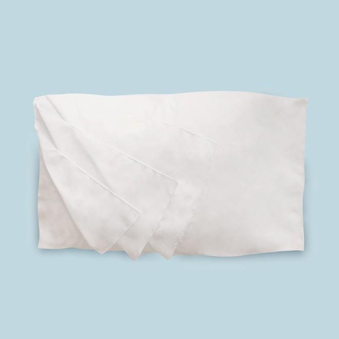 Với loại bao gối có thể lật như trang sách, các chị em tha hồ sạch sẽ, không sợ mụn mà cũng không cần giặt giũ mỗi ngày nữa nhé! - Ảnh 1.