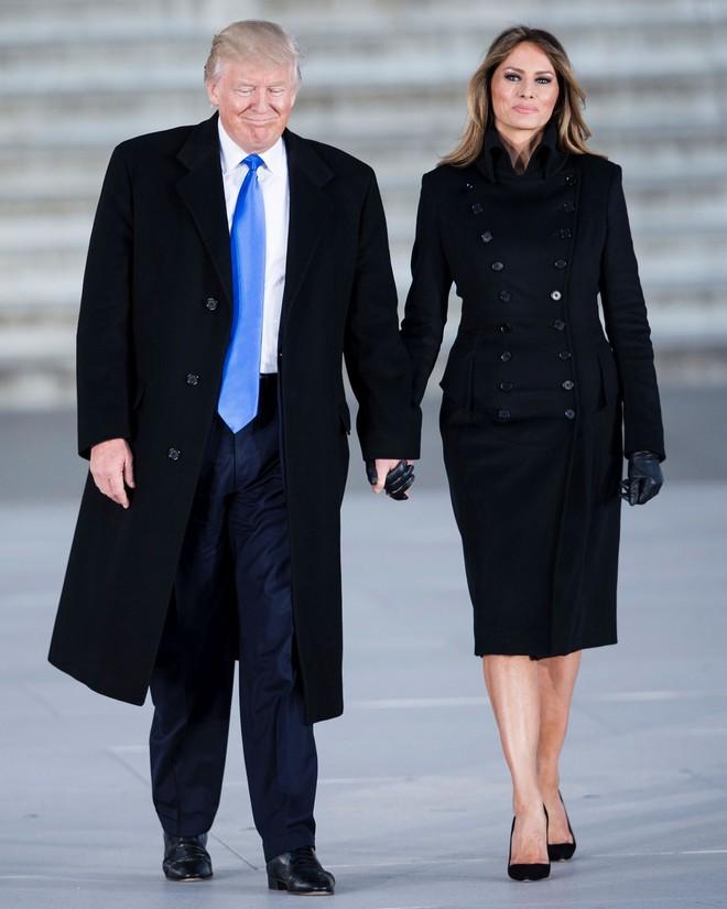 Đệ nhất phu nhân Melania Trump cũng chỉ thường xuyên diện đi diện lại đôi giày đơn giản này - Ảnh 3.