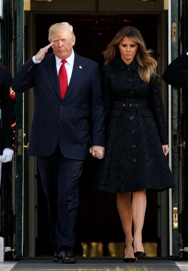 Đệ nhất phu nhân Melania Trump cũng chỉ thường xuyên diện đi diện lại đôi giày đơn giản này - Ảnh 10.