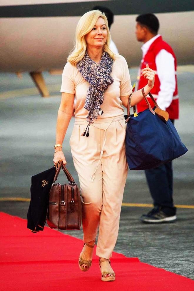 Bất ngờ trước bộ vật dụng chăm sóc tóc trị giá đến gần 30 triệu đồng của công nương Kate - Ảnh 1.
