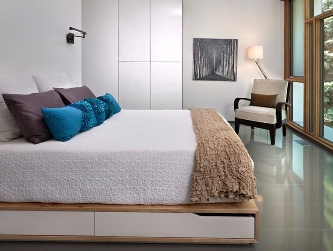 10 ý tưởng giúp phòng ngủ có diện tích nhỏ hẹp trở nên rộng đến bất ngờ - Ảnh 6.