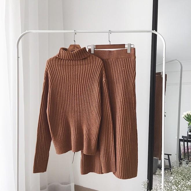 Set áo + váy len đồng màu, công thức hot rần rần sinh ra cho các cô nàng lười nhưng vẫn muốn mặc đẹp - Ảnh 8.