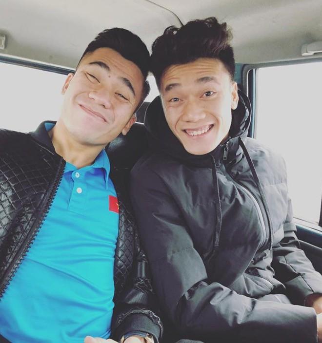Các chàng trai U23 Việt Nam cũng chăm làm đẹp chẳng thua kém gì các chị em - Ảnh 1.