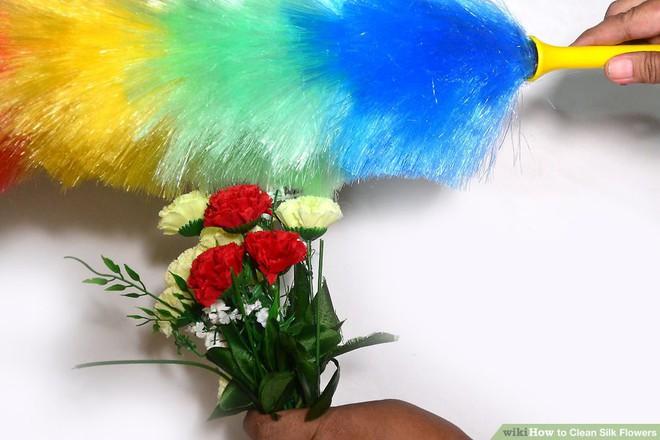 Mẹo hay làm sạch hoa lụa siêu dễ dàng, giúp căn nhà trở nên tươi mới trong tích tắc - Ảnh 9.