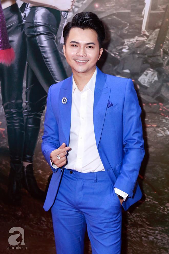 Đôi công chúa nhà Dustin Nguyễn đáng yêu hết mực bên bố mẹ trong họp báo - Ảnh 21.
