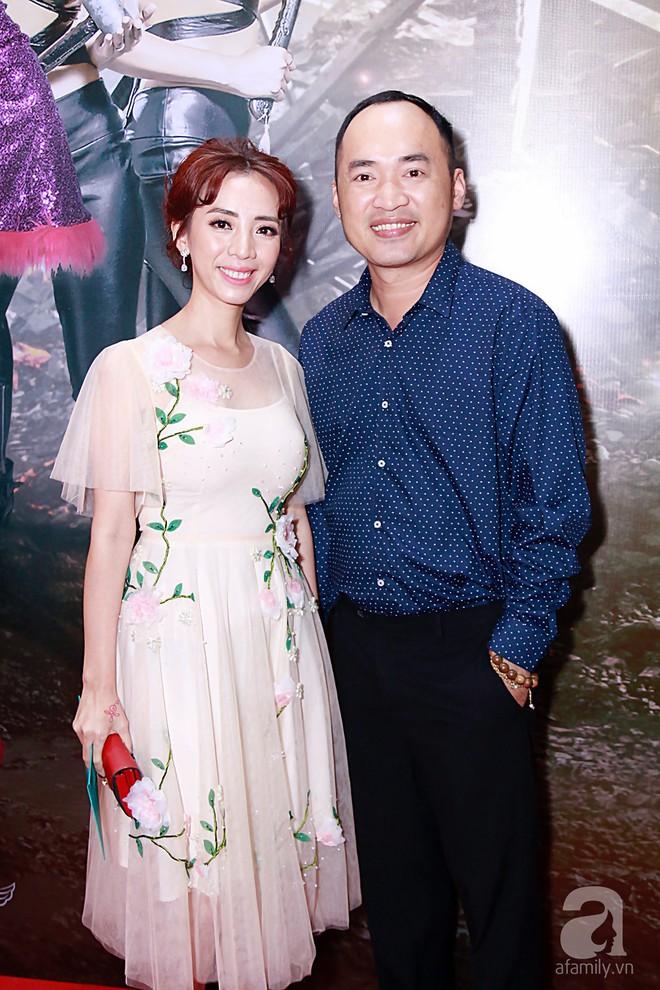 Đôi công chúa nhà Dustin Nguyễn đáng yêu hết mực bên bố mẹ trong họp báo - Ảnh 6.