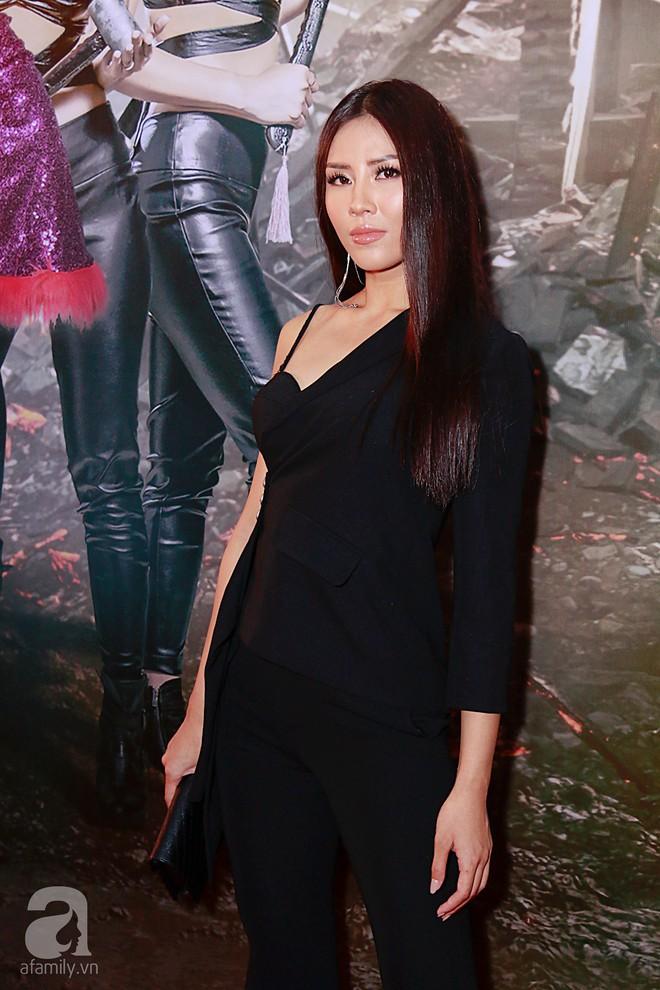 Đôi công chúa nhà Dustin Nguyễn đáng yêu hết mực bên bố mẹ trong họp báo - Ảnh 17.