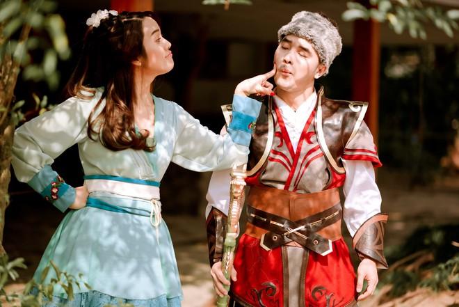 Ưng Hoàng Phúc và vợ gây thích thú khi hóa... Quách Tĩnh - Hoàng Dung trong bộ ảnh cổ trang - Ảnh 2.