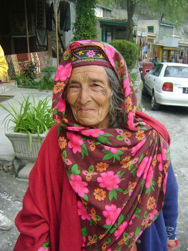 Vùng đất lạ kỳ nơi phụ nữ 60 tuổi vẫn có thể sinh con, 900 năm qua không ai mắc bệnh ung thư - Ảnh 16.