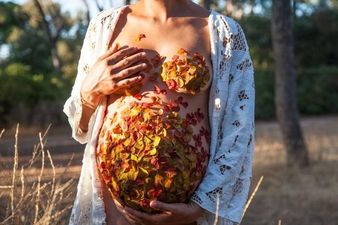 Những tập tục kiêng kỵ kỳ lạ của các mẹ bầu trên thế giới: Nơi phải kiêng nhìn thỏ, nơi coi việc mang thai là ô uế - Ảnh 1.