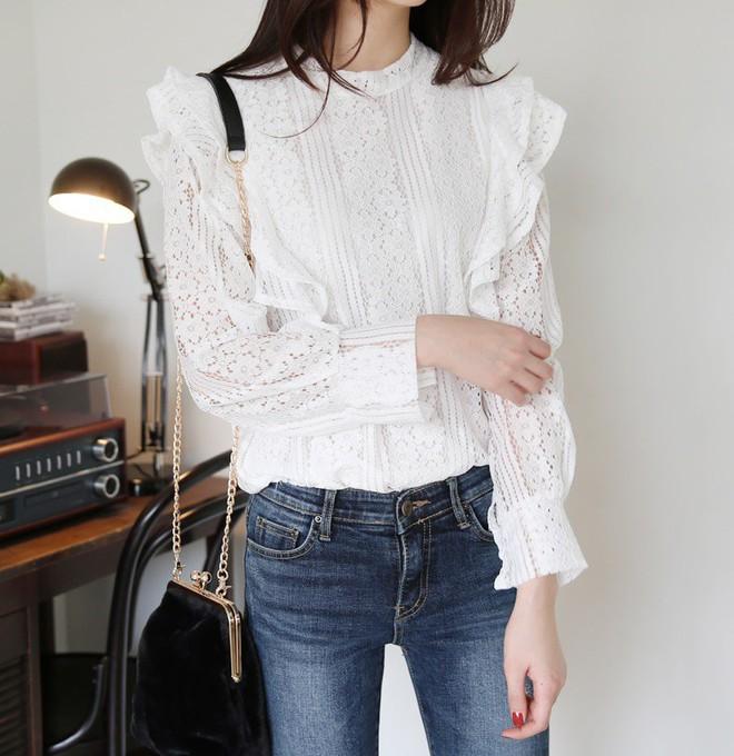 3 cách điệu của áo sơmi và áo blouse đang rất được lòng các nàng điệu đà vào thời điểm này - Ảnh 14.