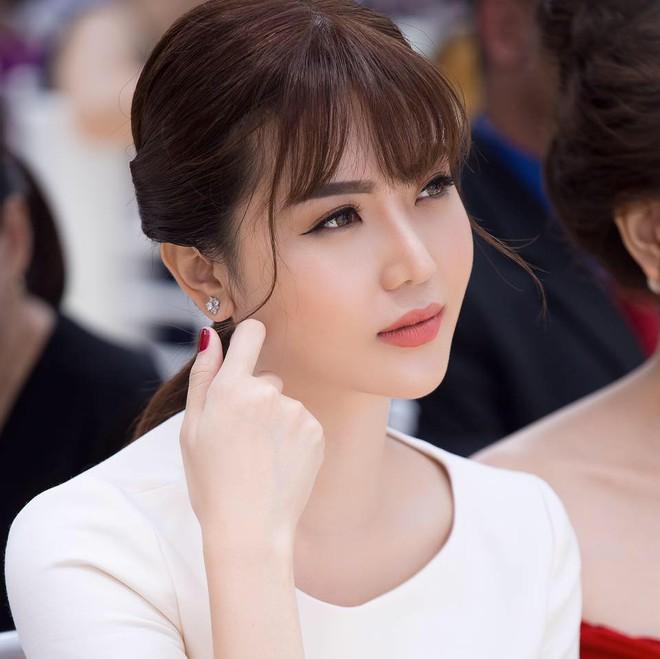 Hành trình hạnh phúc của mỹ nữ Vũng Tàu Ngọc Duyên: Từ con gái người bán vé số đến vợ đại gia Hà thành - Ảnh 2.