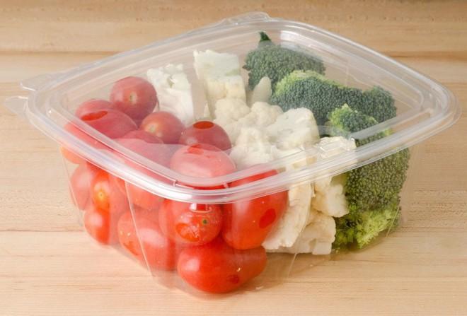 Đừng lưu luyến hộp nhựa đựng thực phẩm kém chất lượng mà rước hoạ sức khoẻ cho cả gia đình - Ảnh 3.