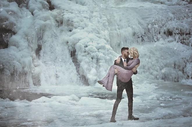 Những cô dâu vai trần thách thức thời tiết giá lạnh để có bộ ảnh cưới nghìn like - Ảnh 18.
