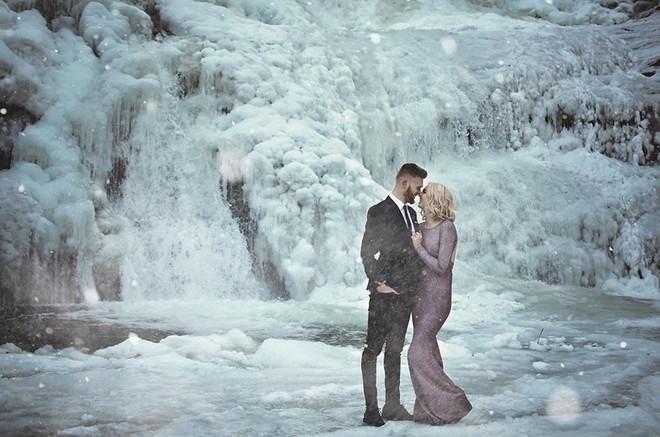 Những cô dâu vai trần thách thức thời tiết giá lạnh để có bộ ảnh cưới nghìn like - Ảnh 20.