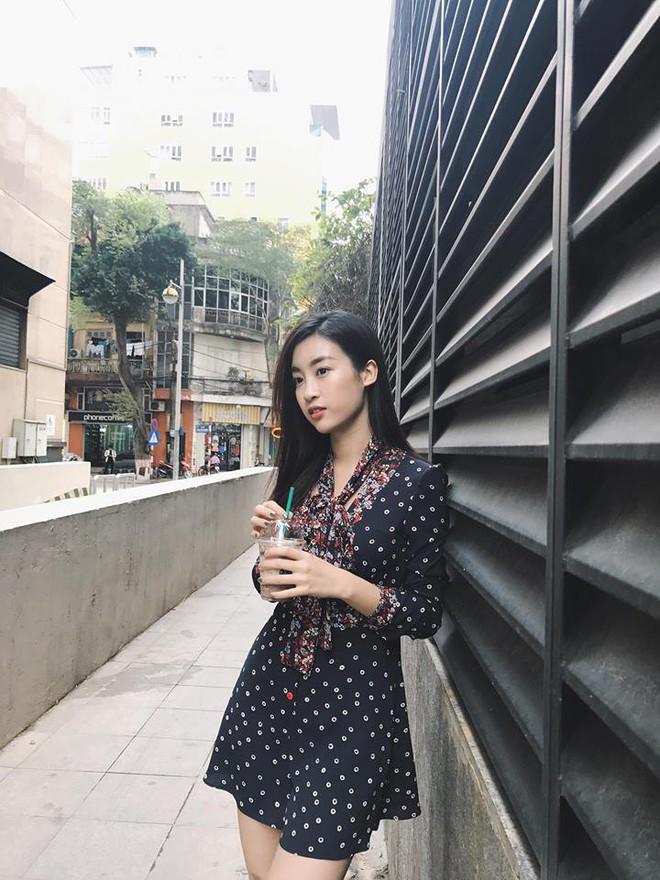Nhìn Hà Tăng, Jolie Nguyễn... diện street style sắc đỏ mà chợt nhận ra: Tết đã về gần lắm rồi đây! - Ảnh 10.