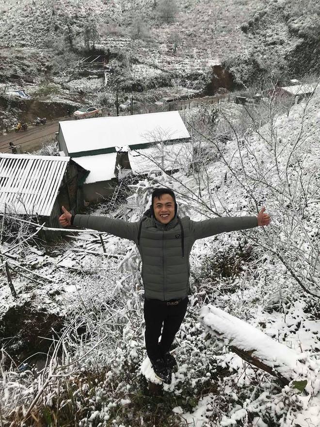 Sa Pa tuyết phủ trắng xóa như ngôi làng cổ tích, du khách ngỡ ngàng vì cảnh tượng quá đẹp - Ảnh 9.