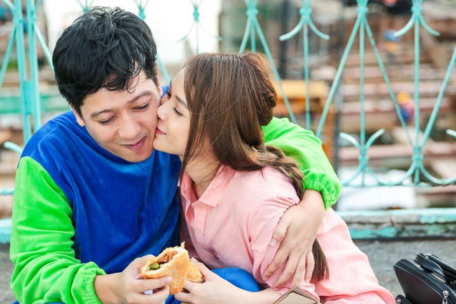 Sốc với cảnh Trường Giang bị người đẹp Sam cưỡng hôn nhiều lần - ảnh 9