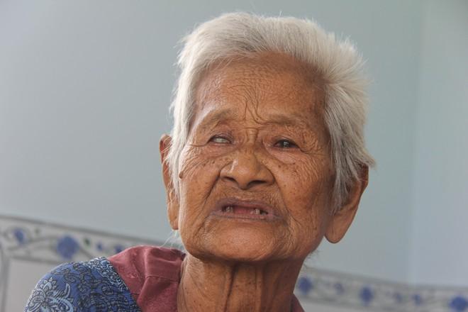 Không còn cảnh xin từng bữa cơm nuôi 4 người con tâm thần, người mẹ già 86 tuổi đã có một cuộc sống mới - Ảnh 7.