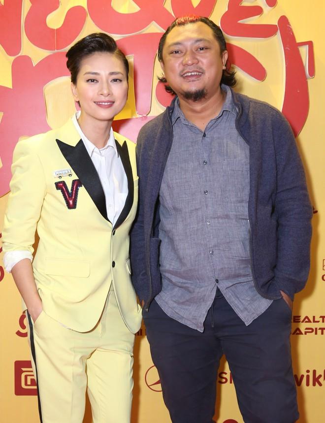 Ngô Thanh Vân đưa bố mẹ đến xem phim Tết do chính cô thủ vai - ảnh 7