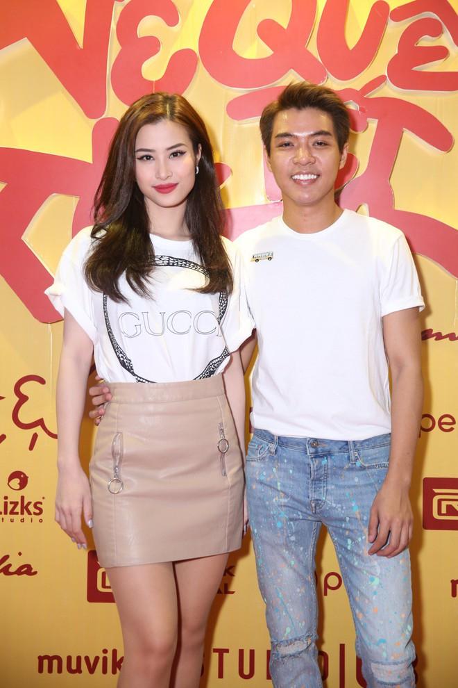 Ngô Thanh Vân đưa bố mẹ đến xem phim Tết do chính cô thủ vai - ảnh 10