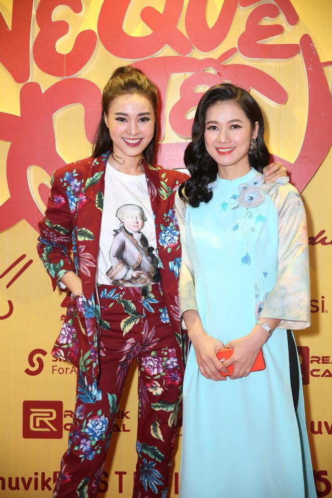 Ngô Thanh Vân đưa bố mẹ đến xem phim Tết do chính cô thủ vai - ảnh 13