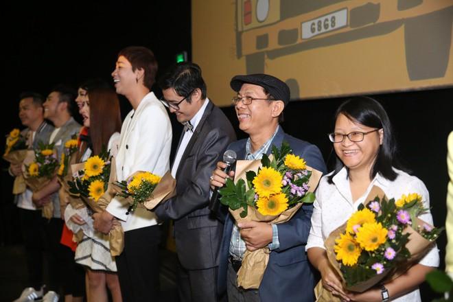 Ngô Thanh Vân đưa bố mẹ đến xem phim Tết do chính cô thủ vai - ảnh 18