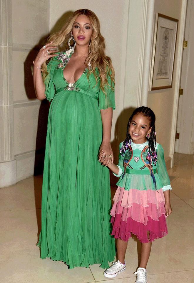 Mới 6 tuổi, con gái Beyoncé đã sở hữu kho đồ hiệu đắt giá khiến nhiều người ghen tị - Ảnh 4.
