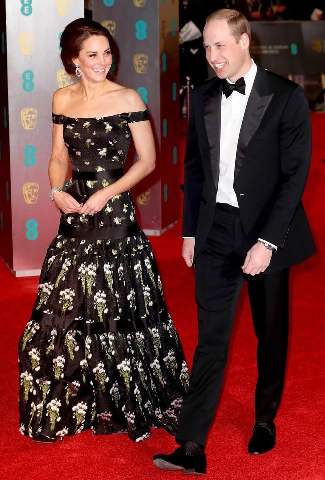 Công nương Kate Middleton cũng khủng hoảng với việc chọn trang phục đi dự sự kiện sao cho phù hợp - Ảnh 6.