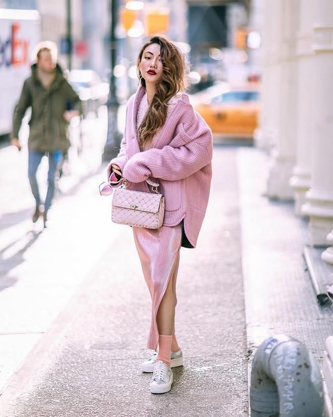 Lên đồ đẹp mĩ mãn cho ngày đi làm đầu xuân với 5 sắc trang phục nổi bật và cực trendy - Ảnh 12.