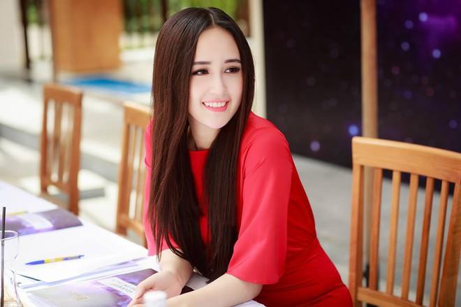 Gần Tết, loạt sao Việt khoe đồ hiệu mới sắm có giá trị lên đến cả trăm triệu đồng - Ảnh 12.