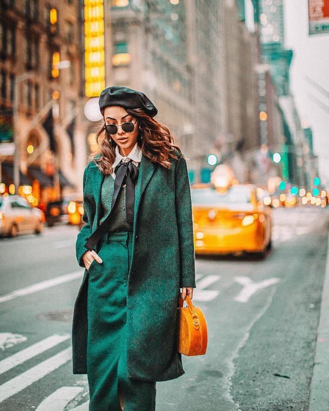 Lên đồ đẹp mĩ mãn cho ngày đi làm đầu xuân với 5 sắc trang phục nổi bật và cực trendy - Ảnh 10.