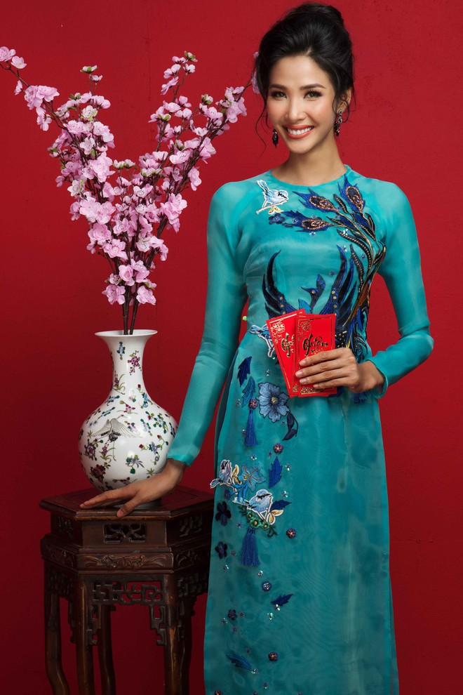 Ngất ngây trước hình ảnh HHen Niê cùng Hoàng Thùy, Mâu Thủy diện áo dài đón xuân - Ảnh 8.