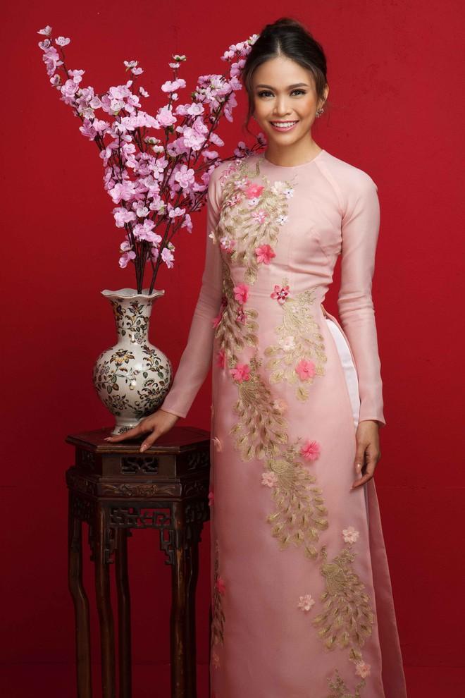 Ngất ngây trước hình ảnh HHen Niê cùng Hoàng Thùy, Mâu Thủy diện áo dài đón xuân - Ảnh 11.