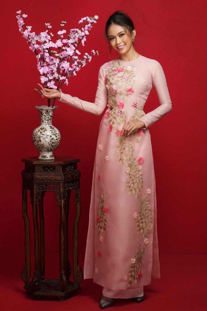 Ngất ngây trước hình ảnh HHen Niê cùng Hoàng Thùy, Mâu Thủy diện áo dài đón xuân - Ảnh 12.
