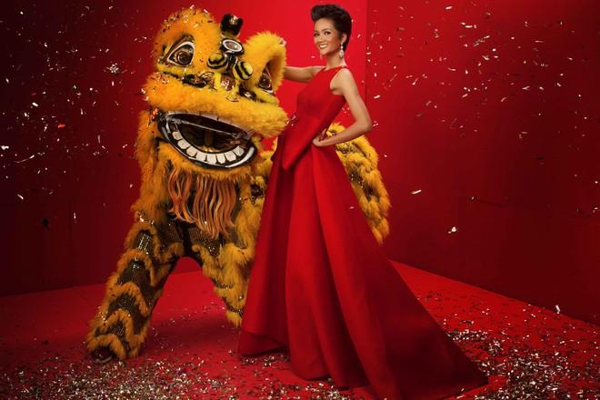 Ngất ngây trước hình ảnh HHen Niê cùng Hoàng Thùy, Mâu Thủy diện áo dài đón xuân - Ảnh 5.