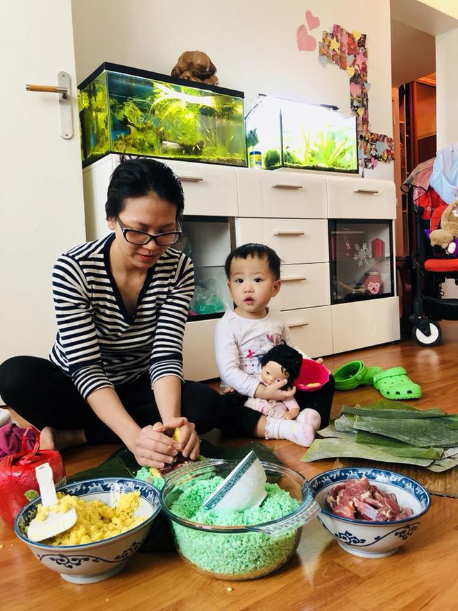 Nàng dâu Việt trên đất Pháp kể chuyện ăn Tết tại nhà chồng gốc Hoa: xa quê vẫn đủ bánh chưng, hoa đào, lì xì đỏ - ảnh 8